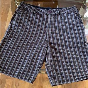 Hurley men's flat front plaid shorts